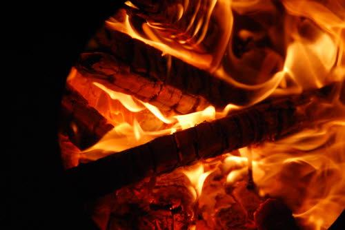 하리하우스 작은 학교 이야기 :: 단양 하리하우스 1층 장작난로 불꽃